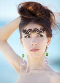 Fashion girl at hte beach. — Stock Photo