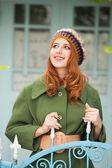 Ruiva no casaco vintage — Foto Stock