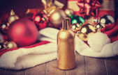 香水和圣诞礼物 — 图库照片