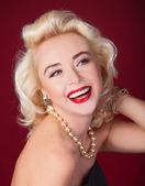 Söt blond tjej modell som marilyn monroe — Stockfoto