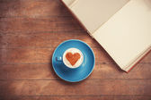 Cup of coffee with shape heart — Stock fotografie