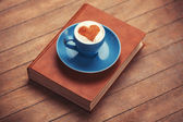 Cup of coffee with shape heart — ストック写真