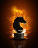 Cavalo de xadrez preto queima no fogo. ilustração 3d de alta resolução — Foto Stock