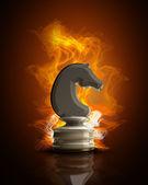Cavallo degli scacchi nel fuoco — Foto Stock