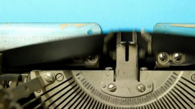 Skrivmaskin typ tomma tecken — Stockvideo