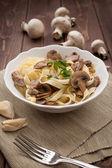 Tagliatelle ai funghi - Noodles with mushroom — Stock Photo