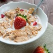 Breakfast cereals with milk and strawberries — ストック写真