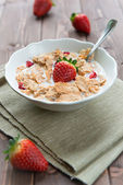 Breakfast cereals with milk and strawberries — Foto de Stock