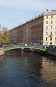 View of the Sennoy bridge over the Griboedov canal. Saint-Petersburg — Stock Photo