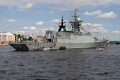 "Corvette ""Smart"" in the water area of the Neva river. Saint-Petersburg — Stock Photo"