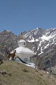 在 Marhi 村的 2530年高空佛教佛塔吗?。北印度,喜马拉雅山 — 图库照片