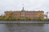 View of the Mikhailovsky (Engineer's) castle from the Fontanka embankment — Stock Photo