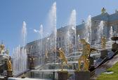 A fragment of the Big cascade. Peterhof — Stock Photo