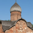 Fragment of the medieval Church of St. Peter and Paul. Veliky Novgorod — Foto de Stock