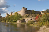 Ivangorod fortress in the early autumn — Stock Photo