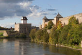 Autumn on the banks of the Narva — Stock Photo