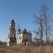 Abandoned Church near Sudislavl. Kostromregion — Stockfoto #28028453