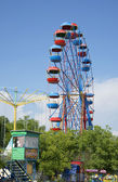 Ferris wheel in an amusement Park. Sevastopol — Stock Photo