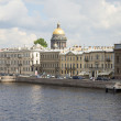 View of the dome of St. Isaac's Cathedral and the English embankment. Saint-Petersburg — Stock Photo