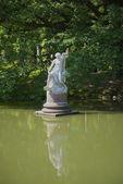 池を彫刻します。オラーニェンバウム殿にエカチェリーナ 2 世の「専用コテージ」 — ストック写真