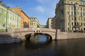 Views of the 2nd Winter bridge in the summer morning. Saint-Petersburg — Stock fotografie