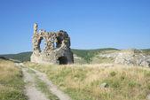 A la entrada de la fortaleza de kalamita. crimea — Foto de Stock