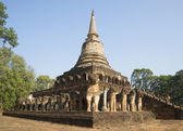 View of the stupa of Wat Chang Lom in a historic Park by Si Satchanalai. Thailand — Photo