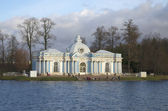 "Pavilion ""Grotto"" in the Catherine Park in the late autumn. Tsarskoe Selo — Stockfoto"