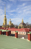Spring day over the roofs of the Peter and Paul fortress. Saint-Petersburg — Stock Photo
