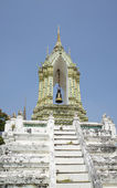 The bell tower of a temple of Wat Pho (Temple of the reclining Buddha). Bangkok — Stock Photo