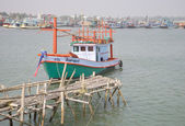 Fishing boat in the fishing port town of Cha-am. Thailand — Stock Photo