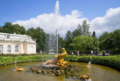 The fountain of the Triton summer day. Peterhof — Stock Photo