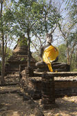 The sculpture of Buddha in the ruins of Wat Khao Suwan Khiri. By Si Satchanalai, Thailand — Stock Photo
