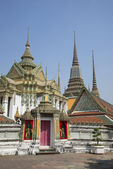 On the territory of the temple complex of Wat Pho. Bangkok — Stock Photo