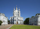 Summer day at the Smolny Cathedral. St. Petersburg — Zdjęcie stockowe
