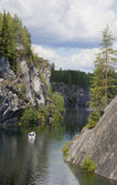 In marble canyon. Mountain Park Ruskeala, Karelia — Stock Photo