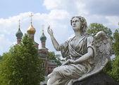 Sculptuur van een zegen engel — Stockfoto
