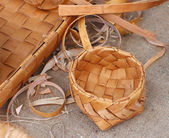 Wicker bowl, made of birch bark — Stock Photo