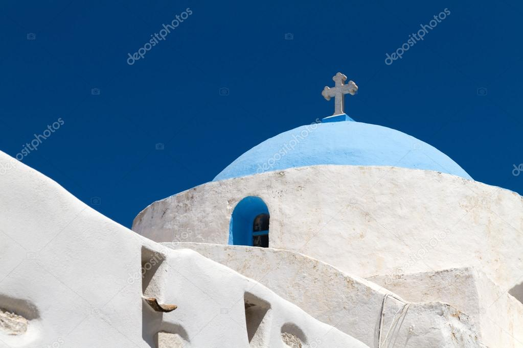 A Typical church in Greece — Stock Photo #13890065