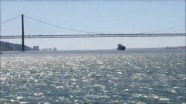 Bridge in Tejo river — Stock Video