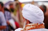Arabic man with turban at islamic Fair — Stock Photo