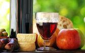 Red Wine and mediterranic food. — Stock Photo