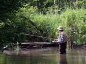 鳟鱼的渔夫 — 图库照片
