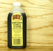 Bottle of McCormick Bakers Imitation Vanilla Flavor — Stock Photo