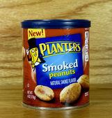 Can of Planters Smoked Peanuts — Foto Stock