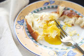 Eggs over easy with bread — Stock Photo