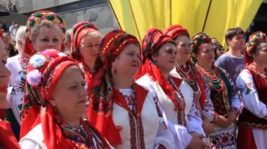 Beautiful Ukrainian woman — Stock Video