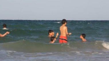 Kids and sea — Wideo stockowe