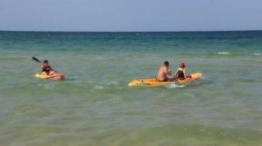 Kayak-paddling — Stock Video
