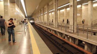 Underground station — Stock Video